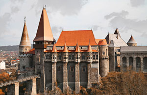 Замок Корвинов (замок Хуниадов)
